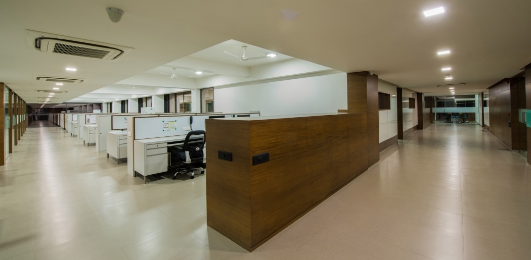Symphony Corporate Commune Office Interior Design And Decoration Ideas Design Owl